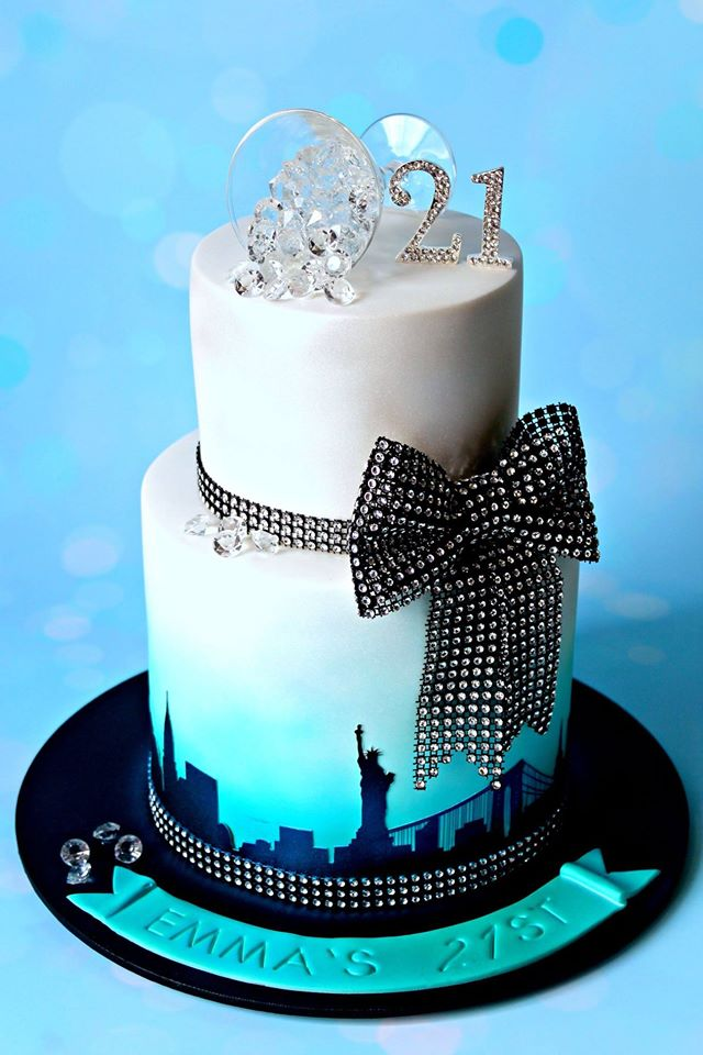 Phenomenal 21St Birthday New York City Skyline Cakes By Lisa Birthday Cards Printable Riciscafe Filternl