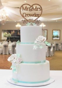 elegant tier wedding cake